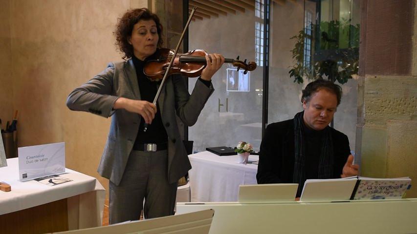 Ave maria duo de salon courtoisie vid o for Salon de musique strasbourg