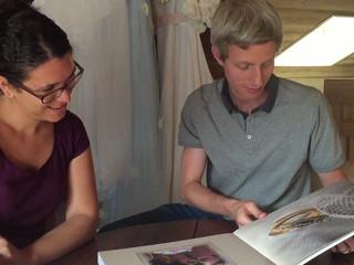 Quand un couple découvre son livre de mariage