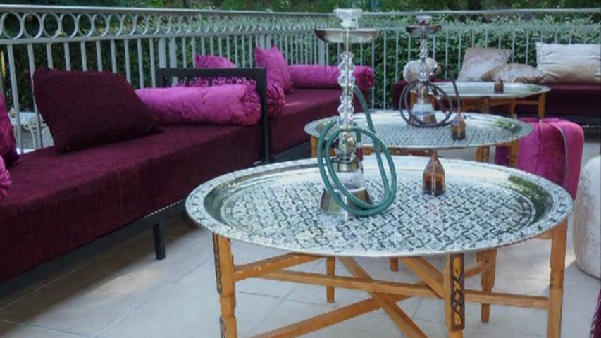 affordable espace oriental th chicha with decoration interieur chicha. Black Bedroom Furniture Sets. Home Design Ideas