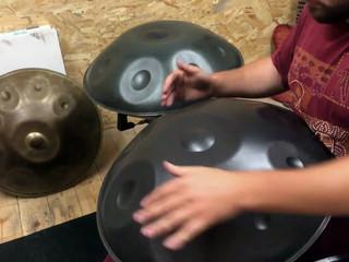 Guitòti improvisant sur des Koan