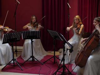 Ivana String Quartet joue Sway